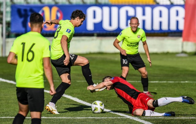 Pucharową kampanię 2020/2021 Puszcza zaczęła w sierpniu w Gdańsku, gdzie w 1/16 finału pokonała IV-ligowego Jaguara