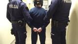 Dwie kobiety ranione nożem przed komendą policji. Poszło o parkowanie