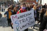 Nie damy sobie zabrać przyszłości: strajk dla klimatu. Protest tysięcy młodych pod katowickim Spodkiem ZDJĘCIA