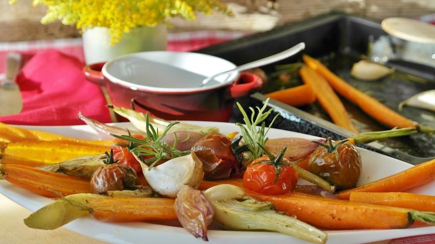 Grillowane warzywa mogą być dodatkiem do głównych dań. Mogą...