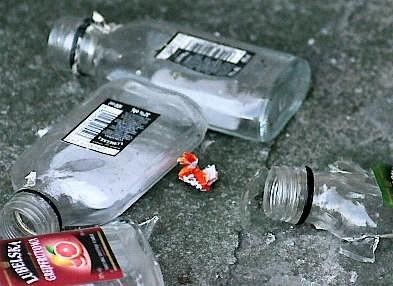 Coraz więcej młodych ludzi sięga po alkohol