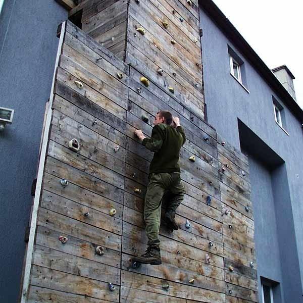 Takie ścianki wspinaczkowe to marzenie wielu stanic. Najpierw jednak harcerze muszą zdobyć pieniądze na remonty obozowisk.