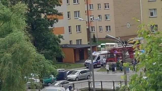 Białystok. Śmiertelny wypadek na osiedlu Dziesięciny II. Mężczyzna spadł z wieżowca