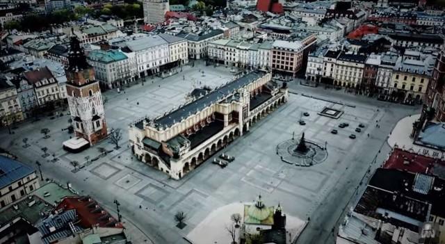 """Przejmujące zdjęcia pustego miasta to teledysk do instrumentalnego utworu  """"Cracow in the Crown"""""""