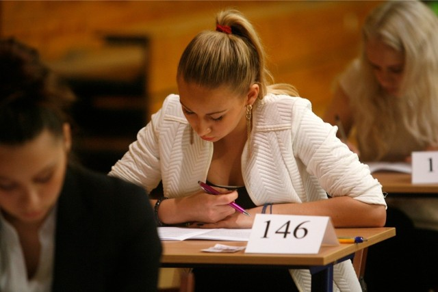 Matura 2015 Angielski - stara matura i nowa matura - arkusze CKE - odpowiedzi - liceum i technikum
