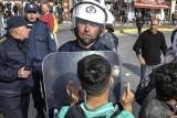 Czy 700 milionów euro pomocy dla Grecji zatrzyma falę migrantów, która chce szturmować Europę? [wideo]