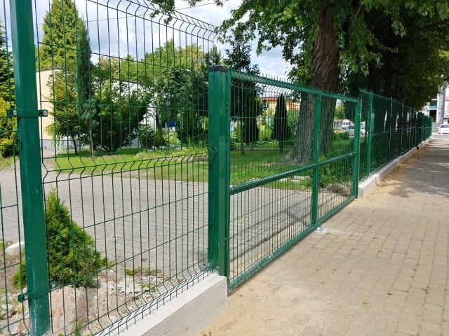 W ramach Budżetu Obywatelskiego wymieniono ogrodzenie przy Warsztatach Terapii Zajęciowej w Szydłowcu.