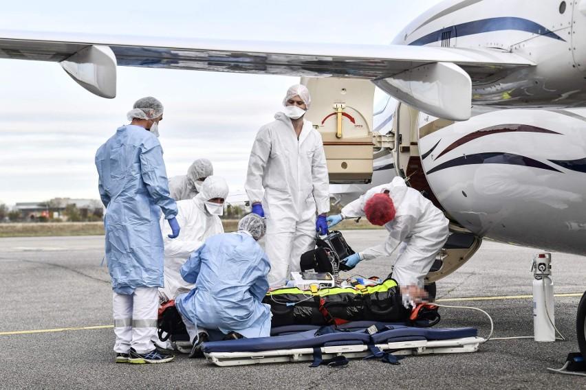 Koronawirus nie oszczędza Francji. Paryż rozważa możliwość wprowadzenia ogólnokrajowej blokady na miesiąc