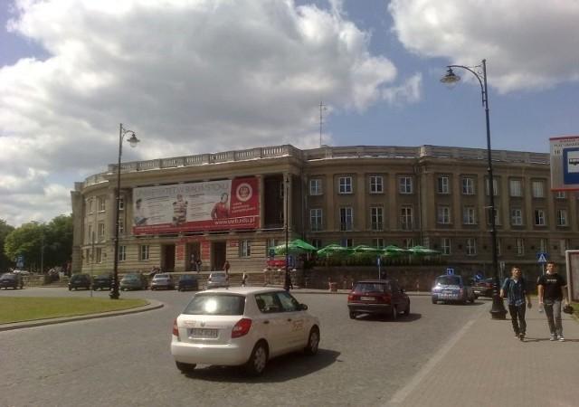 Instytut Historii i Nauk Politycznych UwB