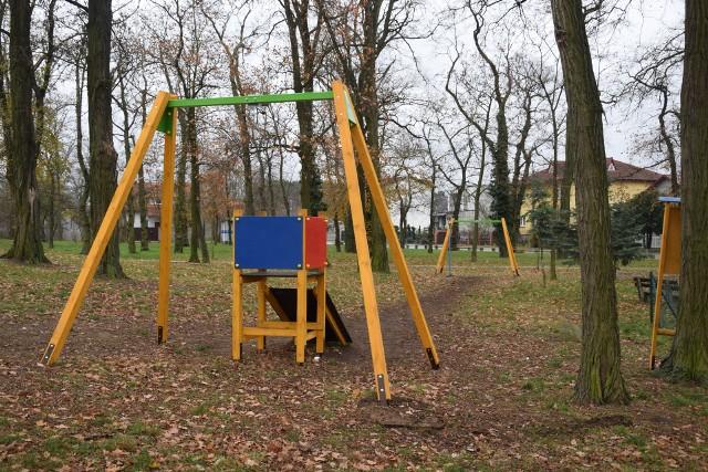 Odnowiony park w Zielonej Górze Przylepie nawet późną jesienią zachęca do odwiedzin.