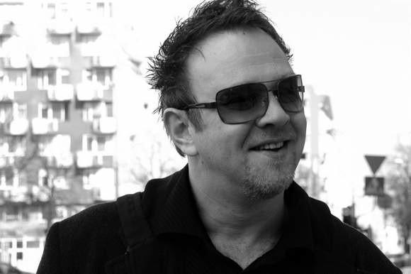 Jarosław Wasik (zdjęcie z 2007 roku). W ramach Loży Absolwentów można już posłuchać w Internecie wywiadu z opolskim muzykiem, szefem Muzeum Polskiej Piosenki w Opolu.