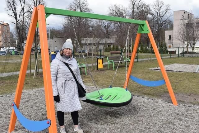 Radna Halina Wojnicz od dawna starała się o modernizację placu zabaw przy ul. Konopnickiej oraz ogrodzenie go.