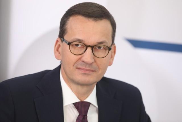 Premier Mateusz Morawiecki zachęcał na antenie TVP Info, aby w niedzielnych wyborach do Sejmu i Senatu Polacy oddali swój głos na PiS.