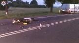 Zakręcie: Pasażerski bus i motorower zderzyły się na prostym odcinku drogi