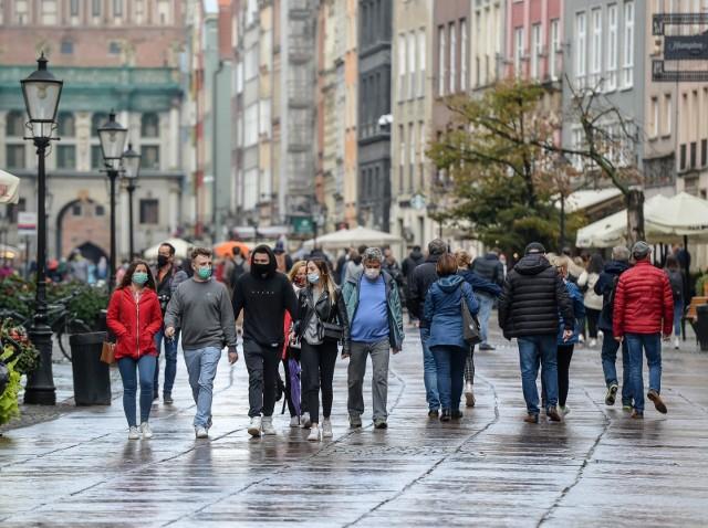 Superroznosiciele to osoby, które są w stanie zakazić koronawirusem nawet kilkanaście kolejnych. Polscy lekarze mówią o superroznosicielach z dystansem, podkreślając, że prawdziwy problem stanowią tzw. silent spreaders, czyli cisi roznosiciele. Zobaczcie, które osoby to cisi roznosiciele!WIĘCEJ NA KOLEJNYCH STRONACH>>>