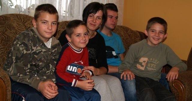 23-letnia Agnieszka zaopiekowała się czterema braćmi