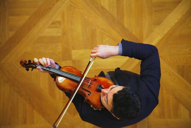 Na czele jury już po raz drugi stoi znakomity skrzypek i dyrygent rosyjski Maxim Vengerov