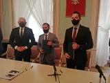"""Kontrakt na pierwsze przegubowe """"elektryki"""" dla Lublina podpisany. Każdy pojazd jest wart 3,2 mln zł. Kiedy zaczną wozić pasażerów?"""