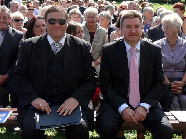 Ryszard Ogonowski (z lewej) i wójt Paweł Kwiatkowski