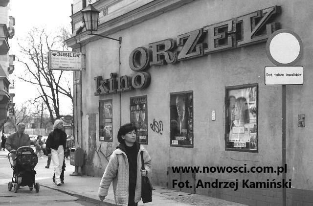 Reklama Orła u wylotu Strumykowej w 1999 roku