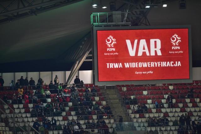 system VAR w Polsce trwa od pół roku
