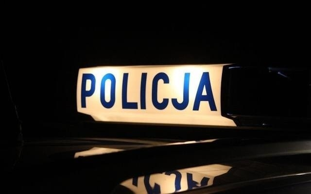 Wypadek na autostradzie A4 pod Opolem. Peugeot wjechał w tył ciężarowego mana