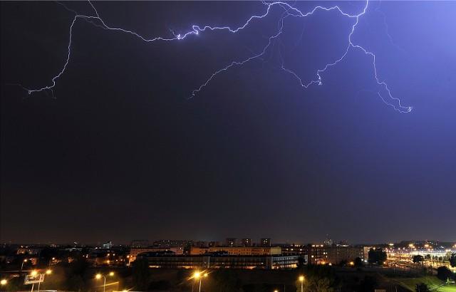 Instytut Meteorologii i Gospodarki Wodnej wydał ostrzeżenie dla Poznania i okolic. W środę, 12 maja, wieczorem mogą występować niebezpieczne zjawiska meteorologiczne. Prawdopodobieństwo wystąpienia zjawiska to 85 proc.