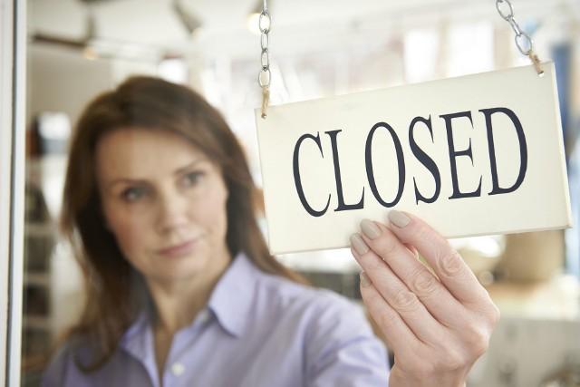 Koronawirus w Polsce już doprowadził do zawieszenia działalności przez tysiące podmiotów. Do CEIDG wpłynęła rekordowa liczba wniosków.