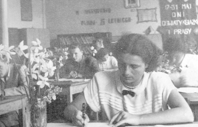 Egzamin dojrzałości w jedenastoletniej szkole TPD, późniejszym II LO. Lata pięćdziesiąte.