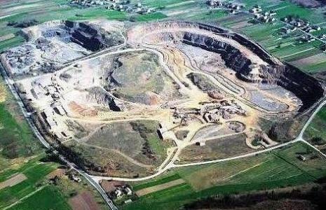 Nie będzie likwidacji Kieleckich Kopalni Surowców Mineralnych. Ale kłopoty finansowe szybko nie znikną