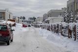 Białystok. Mieszkańcy części szeregówek skarżą się, że ich ulica nie jest odśnieżana. Miasto uważa, że nie jest to droga gmina, a prywatna