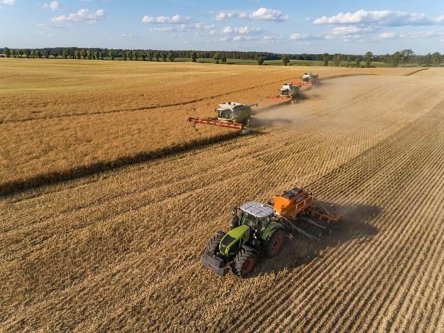 Rolnicy coraz częściej rezygnują z tradycyjnej płużnej oraz bezpłużnej uprawy roli i sięgają po innowacyjne technologie w zakresie polowej produkcji roślinnej
