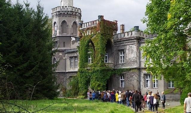 Pałac Larischów w Bulowicach budzi duże zainteresowanie wśród miłośników zabytków i historii