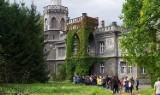 Pałac w Bulowicach przyciąga turystów jak magnes. W ostatni weekend zwiedziło go blisko 200 osób, ale chętnych było dużo więcej [ZDJĘCIA]