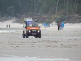 Morska Służba Poszukiwania i Ratownictwa szuka w Ustce zaginionej 60-latki. Na plaży znaleziono ubrania (ZDJĘCIA)