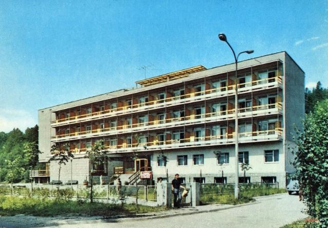 """Lata 1970-1972 , Muszyna. Dom Wczasowy """"Elgród"""". Pocztówka Biura Wydawniczo-Propagandowego."""