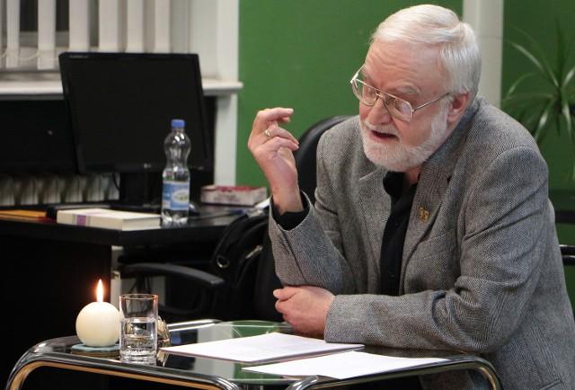 W czytelni czasopism biblioteki miejskiej im. Wiktora Kulerskiego w Grudziądzu odbyło się ciekawe spotkanie z Krzysztofem Rotnickim, który prezentował poezję miłosną autorów europejskich i polskich. Spotkanie zorganizowano z myślą o zbliżających się walentynkach.