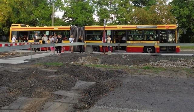 Autobus Z13 zastępuje komunikację tramwajową na remontowanym odcinku al. Śmigłego Rydza.