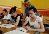 Tyle zarabiają nauczyciele, lekarze i pielęgniarki w Polsce. Nie każdy z nich ma radość z wypłaty