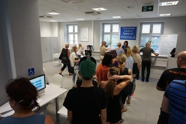 Poznańskie Centrum Świadczeń przeżywa prawdziwe oblężenie