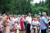Odpust Matki Bożej Śnieżnej w Stromcu. Mszę odprawił biskup radomski, mieszkańcy tłumnie odwiedzali cmentarz. To stara tradycja