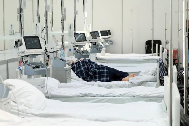 Zdaniem ekspertów, cytowanych przez portal, niektórych zgonów na pewno można było uniknąć.