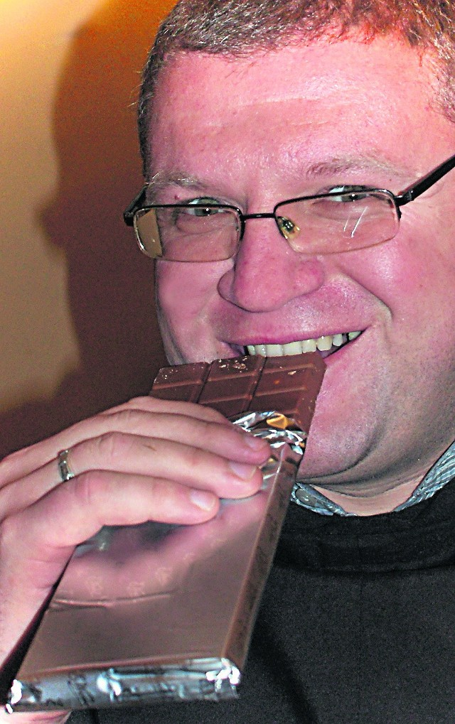 Ojciec Cecylian Szczepanik to łasuch - uwielbia czekoladę, zwłaszcza z orzechami