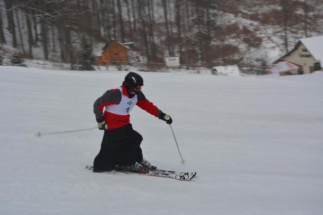 Księża na nartach? Tak się prezentowali w czasie zjazdów na Mistrzostwach Polski Księży i Kleryków w Narciarstwie Alpejskim w Wiśle