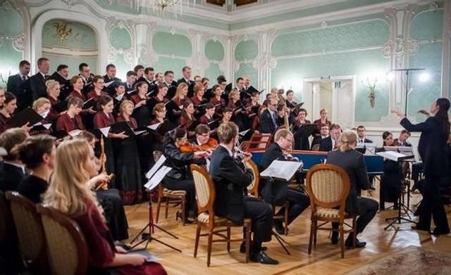 """W poniedziałek w Auli Magna Pałacu Branickich będzie można obejrzeć operę """"La buona figliola"""", do której zagra zespół Diletto"""
