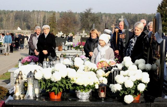1.11.2019, cmentarz w Węgrzynowie