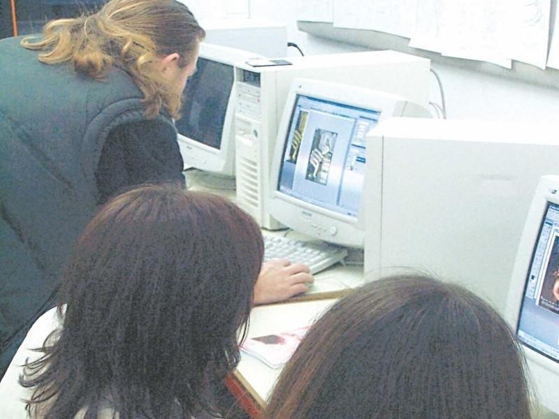 Dla każdego uczestnika projektu przewidziano 100 godzin kursu komputerowego, podczas których nauczy się od podstaw obsługi.