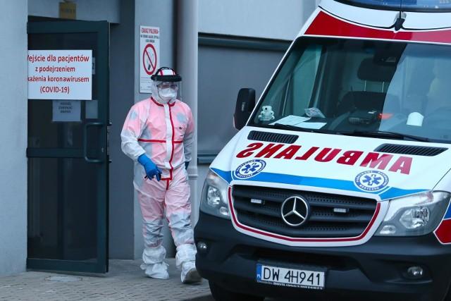 W województwie łódzkim na koronowirusa może zachorować 600 osób, o ile doszłoby do tak trudnej sytuacji jak we Włoszech - wynika z szacunków wydziału bezpieczeństwa i zarządzania kryzysowego Łódzkiego Urzędu Wojewódzkiego.Czytaj na kolejnym slajdzie