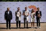 Prezydent Tadeusz Truskolaski wręczył nagrody Ośmiu Wspaniałym [Galeria]