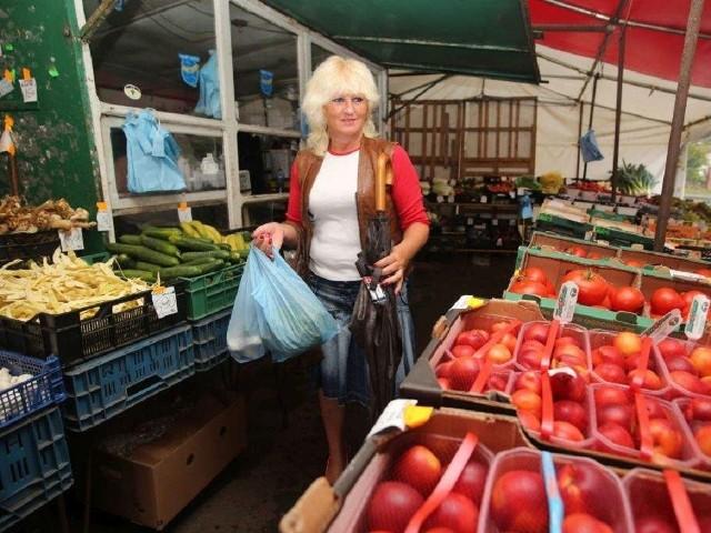 Mini rynek na pl. Piastowskim ma swoją stałą klientelę